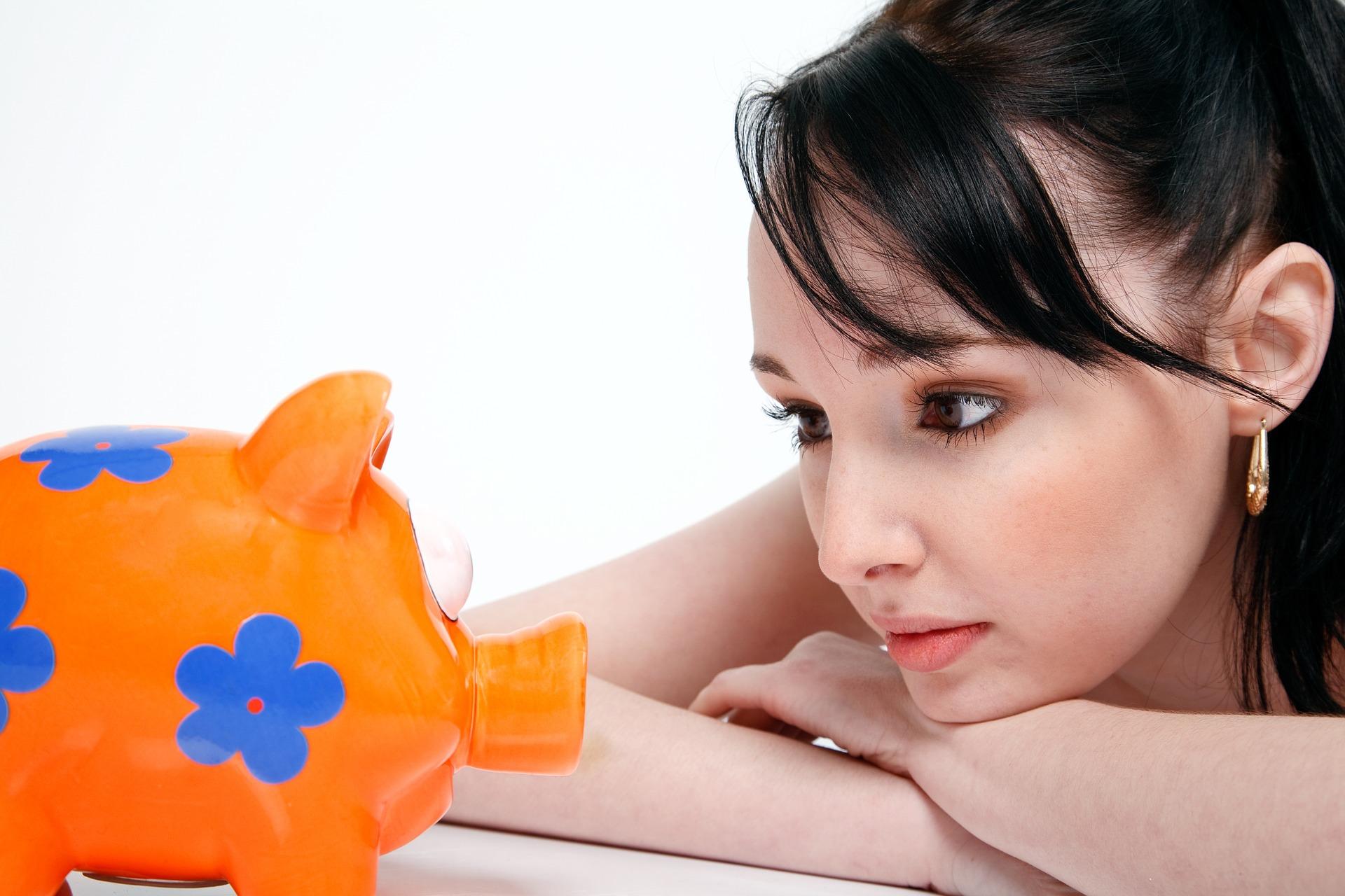 Online Konto eröffnen und Geld sparen